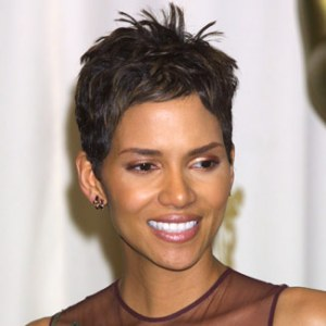 https://fashionxx.files.wordpress.com/2011/04/halle-berry-short-hg-de.jpg?w=300