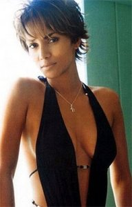 https://fashionxx.files.wordpress.com/2011/04/halle_berryshorthaircuts.jpg?w=192