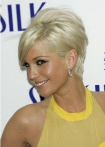 http://fashionxx.files.wordpress.com/2011/04/sarahhardingblondeshorthaircutsstyles.jpg?w=216