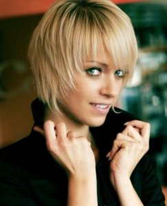 https://fashionxx.files.wordpress.com/2011/04/shorthairstyles2010.jpg?w=243