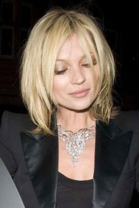 https://fashionxx.files.wordpress.com/2011/05/kate-moss-new-90s-haircut.jpg?w=200