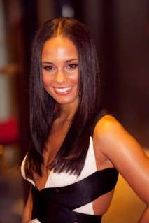 Alicia Keys different hairstyle pictures