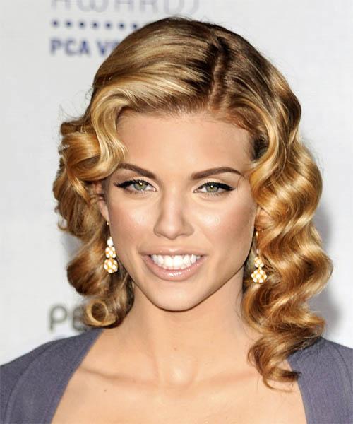 Pin curl hairstyle fashion celebrity annalynne mccord pin curls hairstyle urmus Gallery