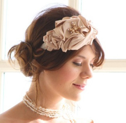 Hairstyle Ideas on Hairstyle Ideas For Brides     Wedding Hairstyles With Headbands