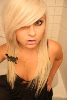 Long Length Emo Hairstyles For Girls