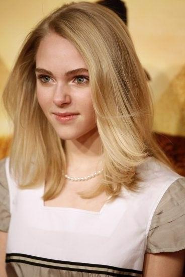 Teen Girls Shoulder Length Hairstyle Ideas