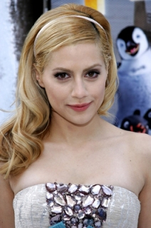 Brittany Murphy Hairstyle Trends - Celebrity hairstyle Ideas for Girls